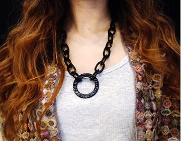Picture of Sunglasses Necklace - Serpent Black